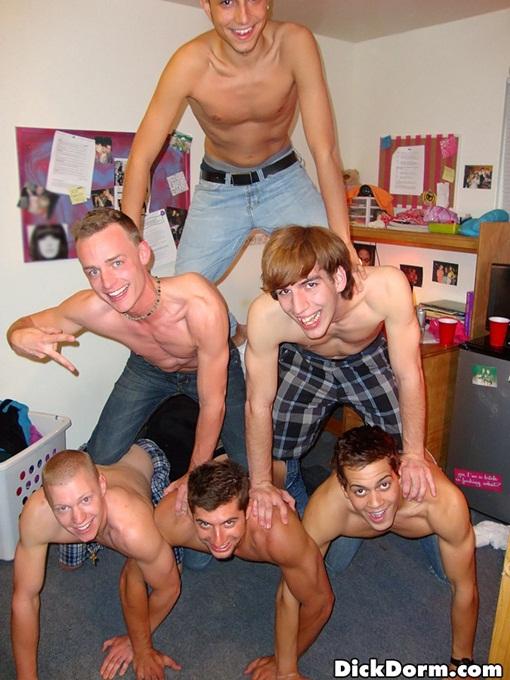 College boys in pyramid